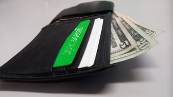 0605_WHAT_Wallet.card.money-pixabay.352x198px